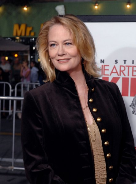 Cybill Shepherd, a cast member in the original 1972 version of the film The Heartbreak Kid, arrives at the premiere for the new remake of the film in Los Angeles on September 27, 2007. (UPI Photo/Jim Ruymen)