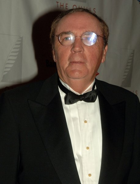 Author James Patterson attends the cocktail hour for the Quill Award ceremonies in New York on October 10, 2006. (UPI Photo/Ezio Petersen)