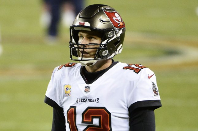 tom brady tampa bay buccaneers hold off new york giants on mnf upi com tom brady tampa bay buccaneers hold