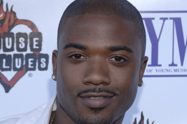 Vocalist Ray J arrives at the 14th annual American Society of Young Musicians' House of Blues Spring Benefit Concert and Awards Show held at the House of Blues in West Hollywood, California on June 13, 2006 . (UPI Photo/ Phil McCarten)