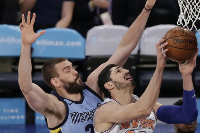 Marc Gasol, left, and the Memphis Grizzlies face the Los Angeles Clippers. Photo by John Angelillo/UPI