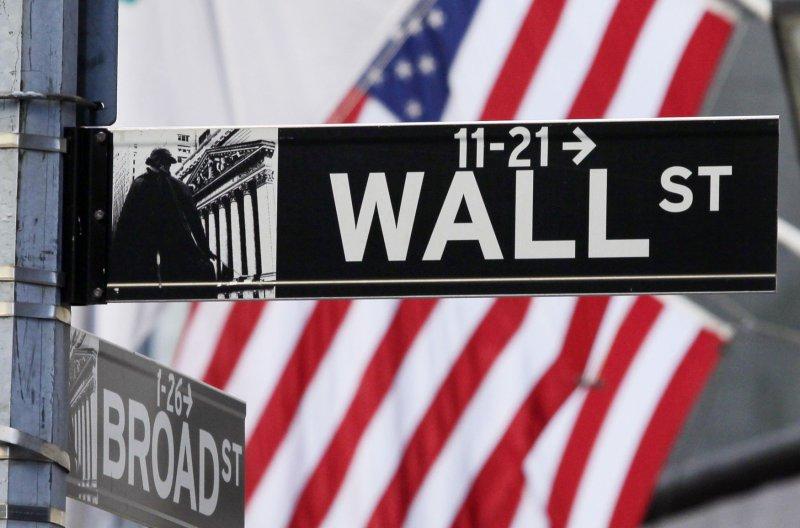 Markets tumble on budget impasse