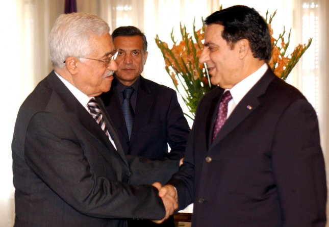President Mahmoud Abbas meets with the President of Tunisia, Zine El Abidine Ben Ali in Tunis, Tunisia on August 8, 2006. Following the meeting Abbas told reporters that he discussed with Ben Ali the situation in both Palestine and Lebanon. He added that they focused on the developments after the UN Security Council draft resolution relevant to Lebanon. (UPI Photo/Omar Rashidi)