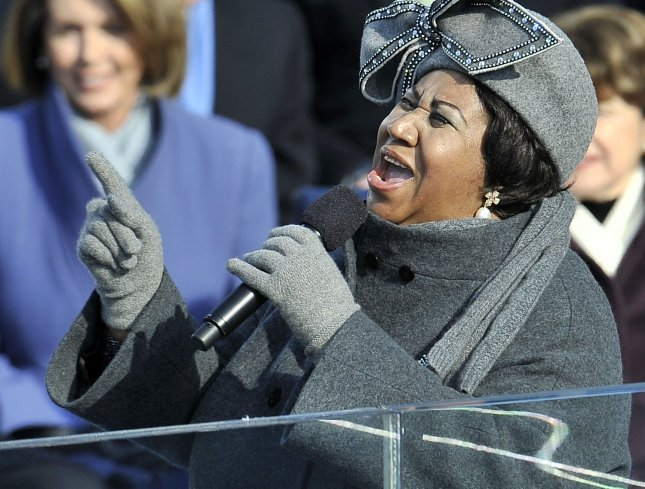 Singer/Song writer Aretha Franklin performs during Barack Obama's inauguration ceremony on Capitol Hill in Washington on January 20, 2009. Obama was sworn in as the 44th President of the United States of America (UPI Photo/Kevin Dietsch)