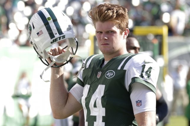 IMAGE(https://cdnph.upi.com/svc/sv/upi/8671537242752/2018/1/1a34b79e362badd32ec81c2a68a96bd2/Sam-Darnold-Jets-right-back-on-horse-as-they-prepare-for-Browns.jpg)