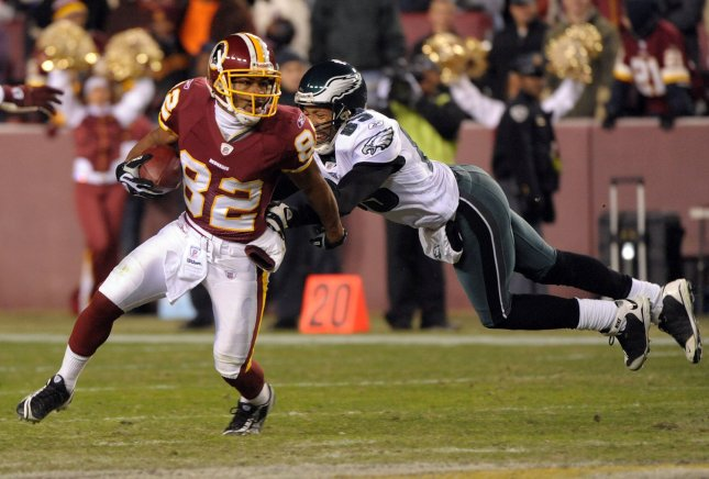 The Washington Redskins' Antwaan Rendle El evades Philadelphia Eagles defender L.J. Smith but only picks up one yard on a punt return in the fourth quarter at FedEx Field in Landover, Maryland, on December 21, 2008. The Redskins won 10-3. (UPI Photo/Roger L. Wollenberg)