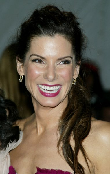 Sandra Bullock arrives at the Costume Institute Gala Celebrating Poiret: King of Fashion at the Metropolitan Museum of Art in New York on May 7, 2007. (UPI Photo/Laura Cavanaugh)