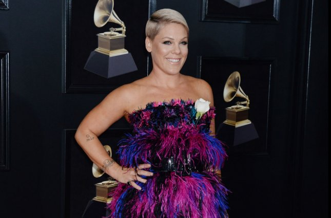 Pink introduces daughter Willow to Rihanna at Grammys