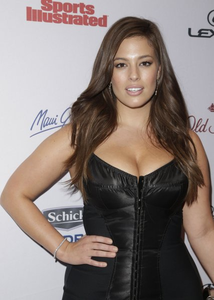 Ashley Graham Lands Sports Illustrated Swimsuit Spread