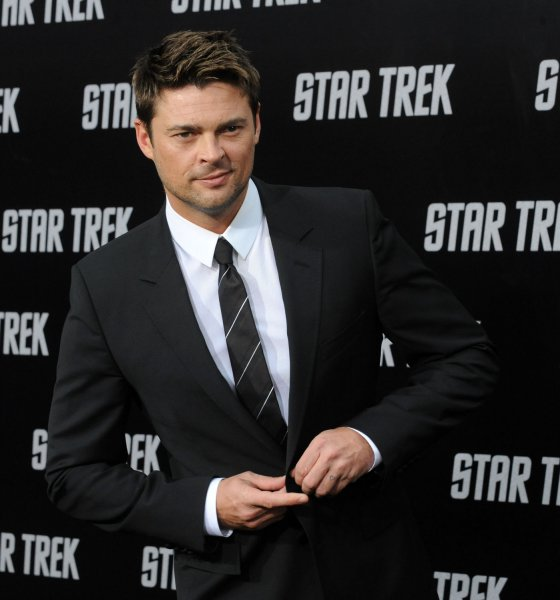 Karl Urban, a cast member in the sci-fi adventure motion picture Star Trek, attends the premiere of the film at Grauman's Chinese Theatre in the Hollywood section of Los Angeles on April 30, 2009. (UPI Photo/Jim Ruymen)