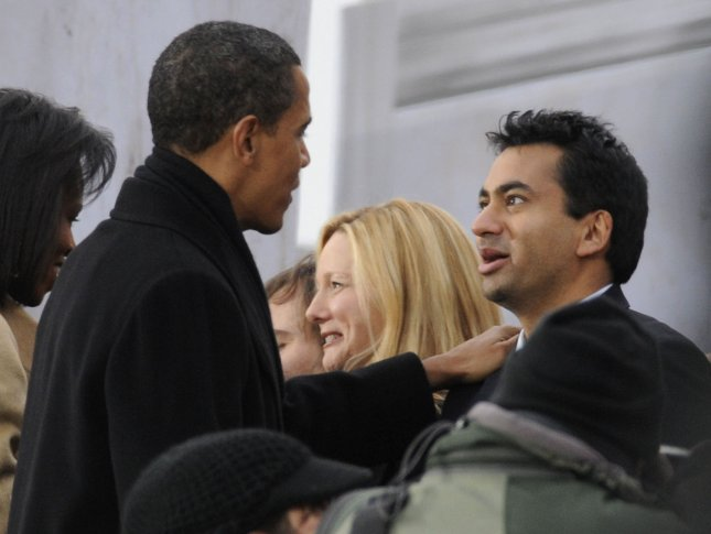 President-elect Barack Obama (L) greets actor Kal Penn following the We Are One inaugural opening ceremony concert at the Lincoln Memorial in Washington on January 18, 2009. (UPI Photo/Kevin Dietsch)
