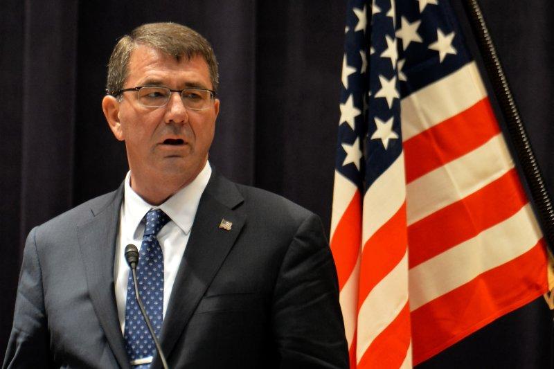 U.S. Defense Secretary Ashton Carter visits Iraq as Ramadi assault looms