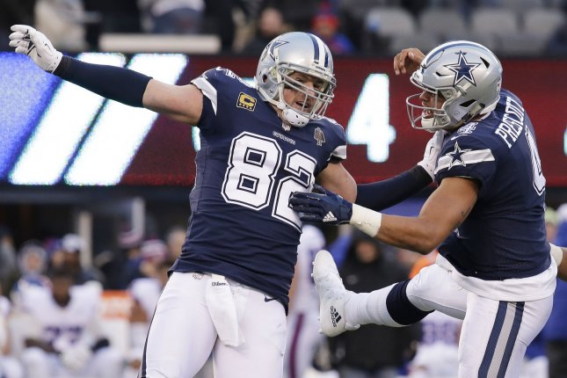 Dallas Cowboys quarterback Dak Prescott and Jason Witten. Photo by John Angelillo/UPI