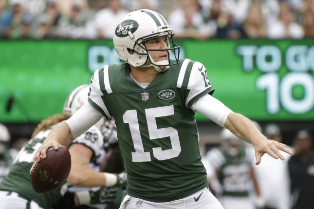 New York Jets quarterback Josh McCown throws a pass in the first half against the New England Patriots in Week 6 of the NFL season on October 15, 2017 at MetLife Stadium in East Rutherford, New Jersey. Photo by John Angelillo/UPI