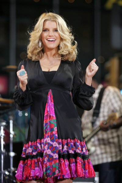 Jessica Simpson performs on Good Morning America in Times Square in New York on September 9, 2008. (UPI Photo/Laura Cavanaugh)