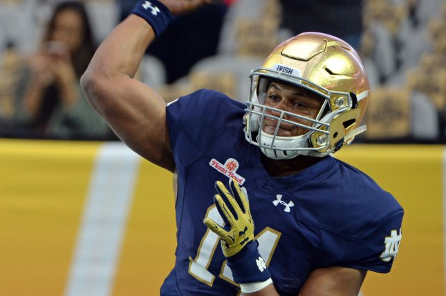 Notre Dame quarterback DeShone Kizer throws a pass as he warms up for the Fiesta Bowl between the Notre Dame Fighting Irish and the Ohio State Buckeyes at University of Phoenix Stadium in Glendale, Arizona, January 1.2016. Photo by Art Foxall/UPI