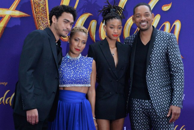 Aladdin Premiere: Jada Pinkett Dresses Up As A Genie
