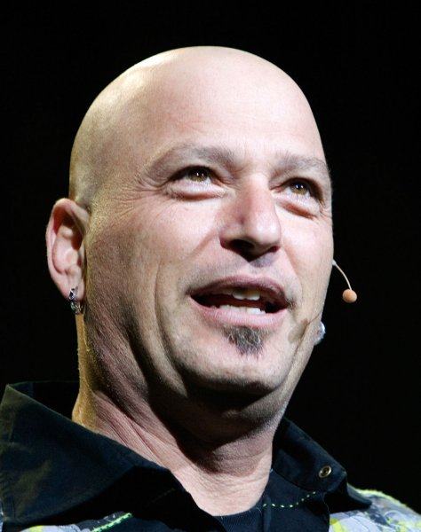Comedian and Deal or No Deal game show host Howie Mandel entertains during a sold out show at the Boulevard Casino near Vancouver, British Columbia, March 24, 2007. (UPI Photo/Heinz Ruckemann)