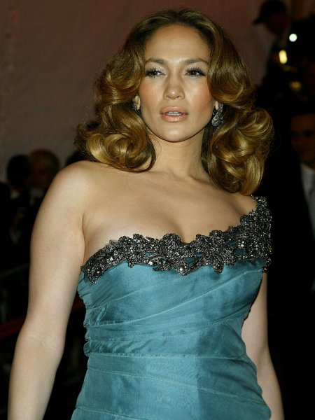 Jennifer Lopez arrives at the Metropolitan Museum of Art's Costume Institute Gala in New York on May 5, 2008. (UPI Photo/Laura Cavanaugh)