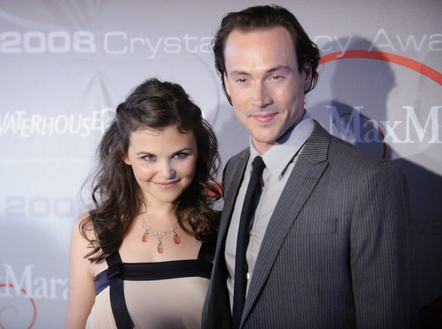Ginnifer Goodwin (L) and Chris Klein attend the 2008 Crystal + Lucy Awards gala in Beverly Hills, California on June 17, 2008. (UPI Photo/ Phil McCarten)
