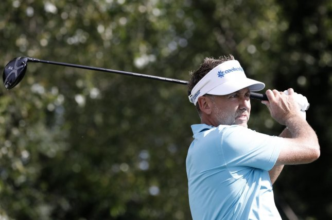 Poulter Shares Lead at Hilton Head