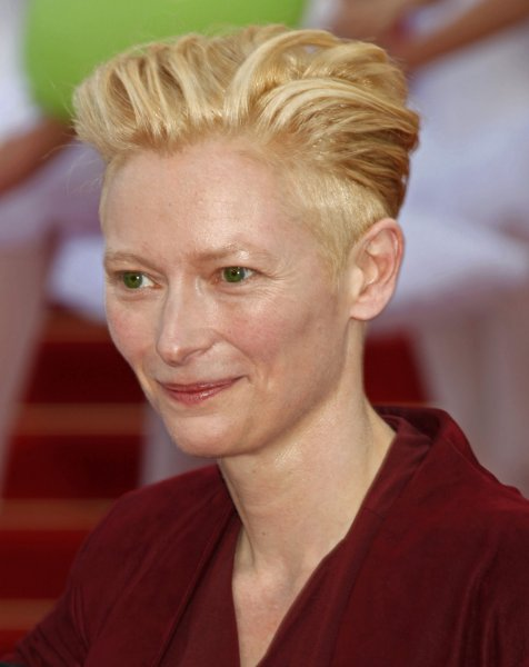 Actress Tilda Swinton arrives on the red carpet before a screening of the film Up at the opening of the 62nd annual Cannes Film Festival in Cannes, France on May 13, 2009. (UPI Photo/David Silpa)
