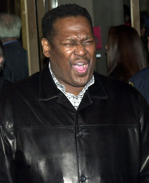 NYP2003041812 - NEW YORK, APRIL 18 (UPI)--Singer Luther Vandross shown in this April 10, 2003 photo was admitted to a New York City hospital after suffering a stroke on April 17, 2003. Vandross will celebrate his 52nd birthday on April 20th. jg/ep/Ezio Petersen UPI