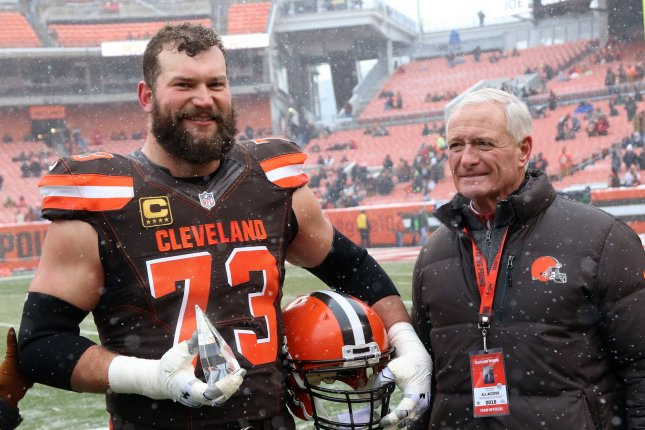 ee7255bfd Joe Thomas: Cleveland Browns star shares heartfelt letter from service  member