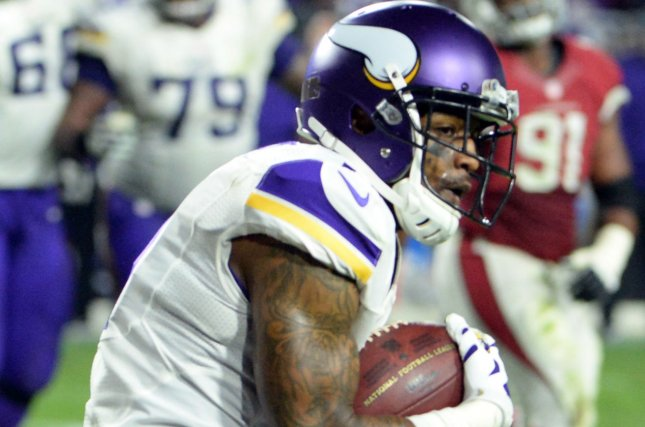 Minnesota Vikings Release WR Mike Wallace Resign LB Audie Cole - Audie cole