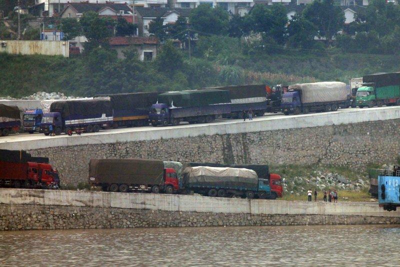 Trucks fill Chinese gaps in LNG market - UPI com