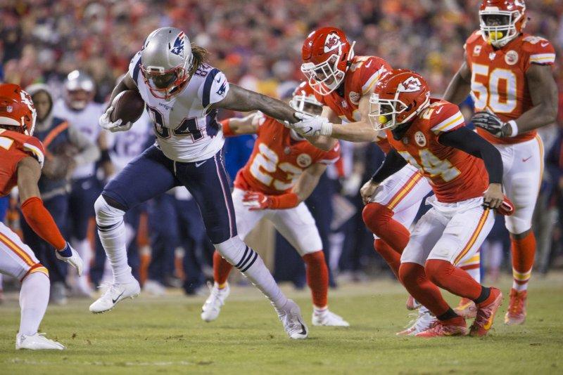 best sneakers b9aec 88525 New England Patriots edge Kansas City Chiefs in OT, reach ...