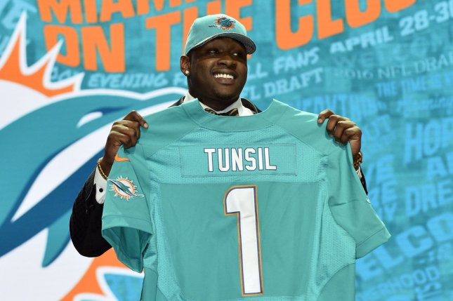 release date a0dc3 0759b Another hit coming for Laremy Tunsil? - UPI.com