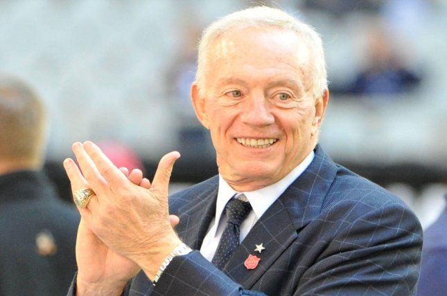 Jerry Jones backs Elliott, puts on pre-camp show for Cowboys
