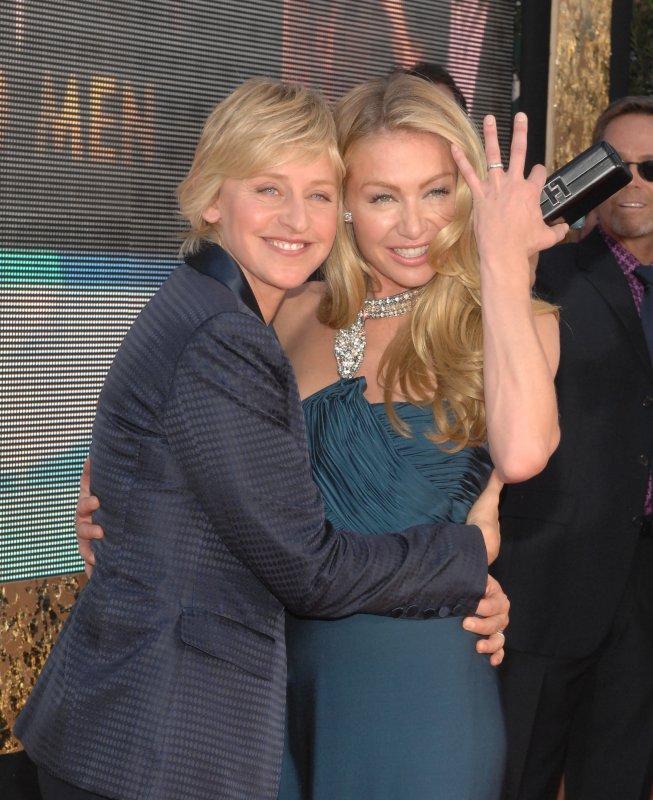 Ellen Degeneres (L) and actress Portia de Rossi arrive at the 59th Primetime Emmy Awards on September 16, 2007. (UPI Photo/Ruymen)