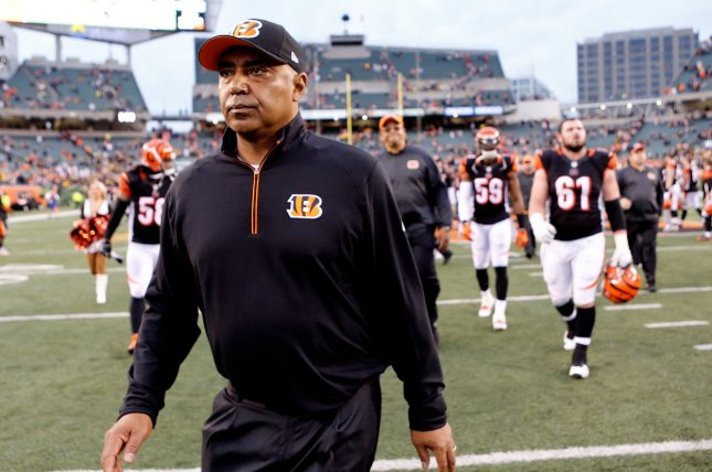 Marvin Lewis has Baker's Cyst