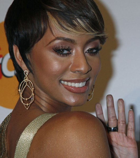 Keri Hilson arrives on the red carpet before the annual Clive Davis Pre-Grammy Gala in Beverly Hills, California on January 30, 2010. (UPI/David Silpa)