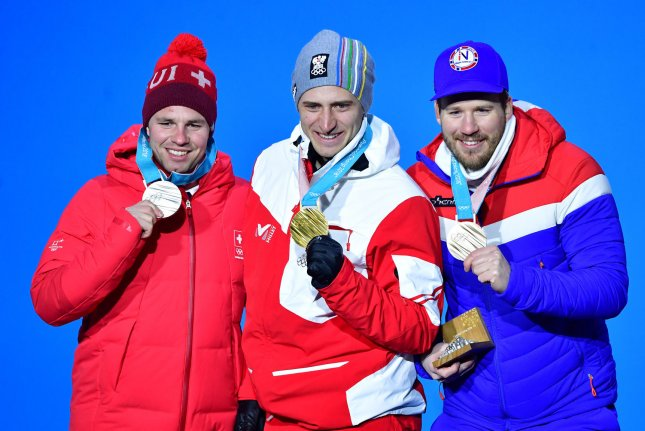 Svindal wins Norway's first downhill gold