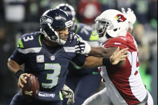 49b5a643d Marshawn Lynch s agent aimed tweet at Russell Wilson during Seattle Seahawks  game