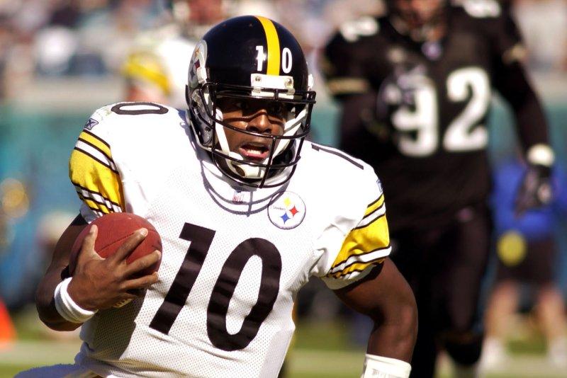 Pittsburgh Steeler quarterback Kordell Stewart . jg/rj/Reggie Jarrett UPI