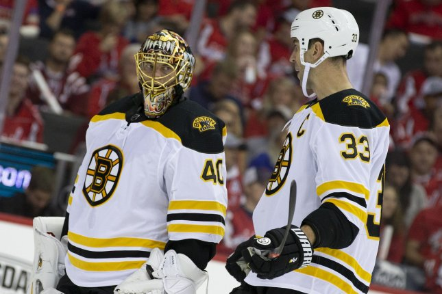 Halak, Bruins shut out Canadiens