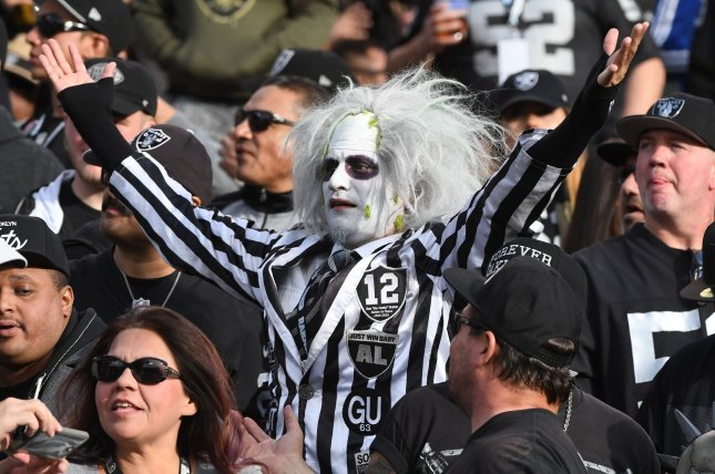 costumes from novelty source oakland raiders at kansas city chiefs preview prediction pick to