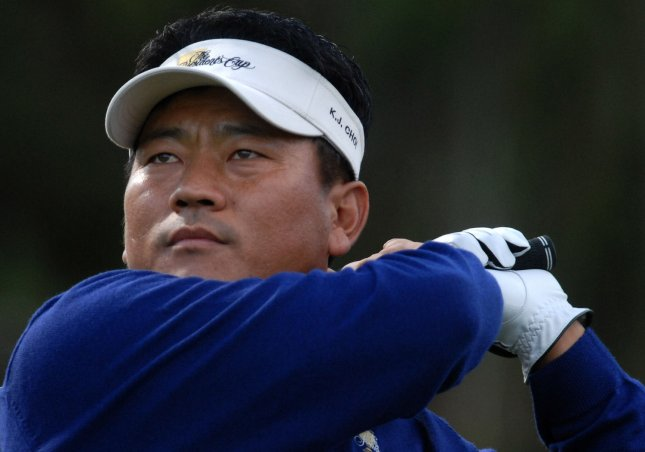 International Team member K. J. Choi drives off the 8th tee during the fourth round of the 2007 Presidents Cup at The Royal Montreal Golf Club in Montreal on September 29, 2007. (UPI Photo/Kevin Dietsch)