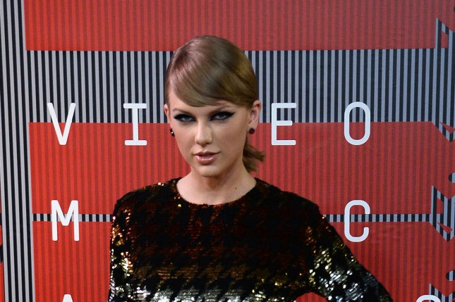 Singer Taylor Swift arrives on the red carpet for the 32nd annual MTV Video Music Awards at Microsoft Theater in Los Angeles on August 30, 2015. Photo by Jim Ruymen/UPI