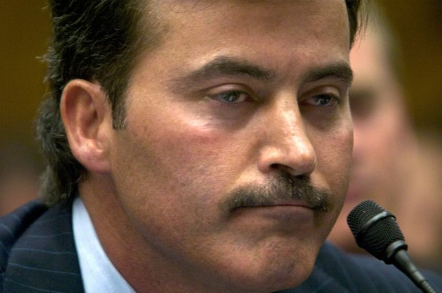 Rafael Palmeiro crushes balls in cage, claims Major League Baseball comeback is 'real'