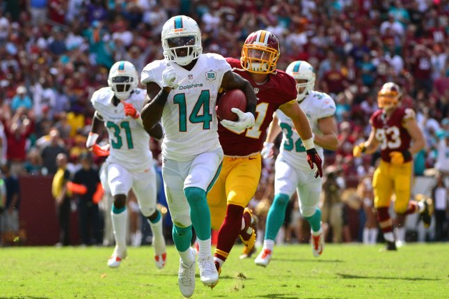 65eed2f33 2018 Pro Bowl  Miami Dolphins receiver Jarvis Landry replaces DeAndre  Hopkins on roster