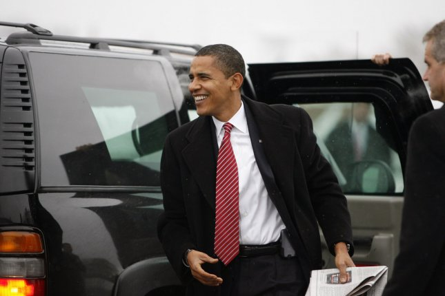 President-Elect Barack Obama arrives at the Midway Airport to board a flight to Philadelphia to attend a meeting with U.S. Governors, in Chicago on December 1, 2008. (UPI Photo/Anne Ryan/POOL)