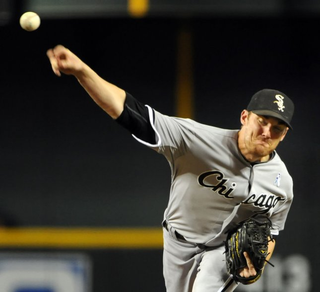 Chicago White Sox starting pitcher Phil Humber delivers a pitch against the Arizona Diamondbacks in the first inning at Chase Field in Phoenix, AZ, June 19,2011. UPI/Art Foxall
