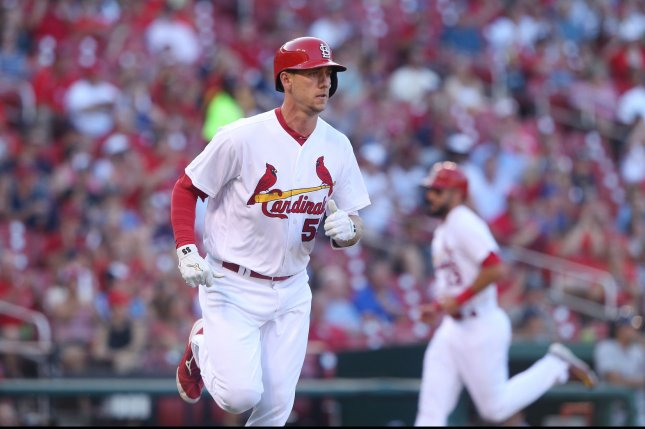 Cardinals place Piscotty on DL, recall Sierra from Springfield
