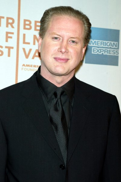 Darrell Hammond poses for pictures at the premiere of New York Minute at the Tribeca Performing Arts Center in New York on May 4, 2004. (UPI Photo/Laura Cavanaugh)