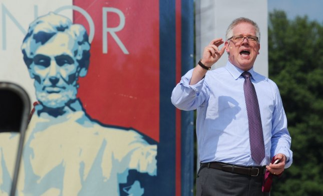 Glenn Beck likens Norway victims to Hitler Youth